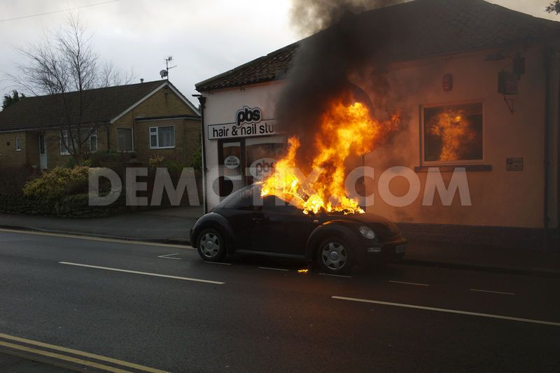 1355735771-car-fire-in-cayton-north-yorkshire_1681686